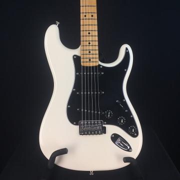 Custom Fender Standard Stratocaster 2009 Olympic White Maple Neck Black Pickguard