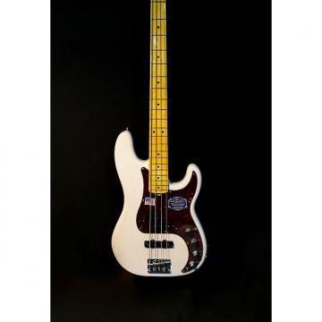 Custom Fender American Deluxe Precision Bass White Blonde
