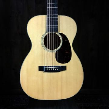 Custom Martin 00-18V 2015 Natural Spruce