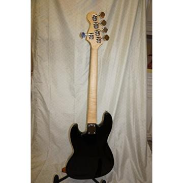 Bass guitar, 5 string, Unque