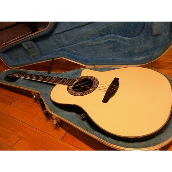 Custom Ovation Collector's Series Model 1986 Aged White w/ OHSC