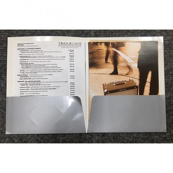 Custom Tech 21-Dealer Sheet (Catalog), 2000