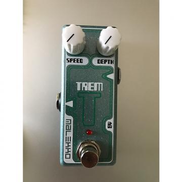 Custom Malekko Omicron Trem mini tremolo pedal
