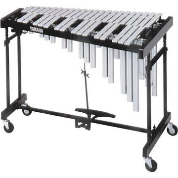 Yamaha 3-Octave Standard Silver Vibraphone with Cover